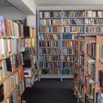 Библиотека смјештена у згради Културно спортског центра Пале